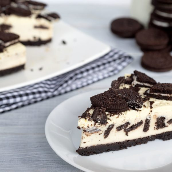 white chocolate and oreo cheesecake